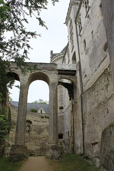 Breze entrance