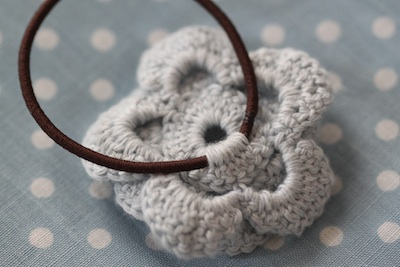 Crochet hair tie back