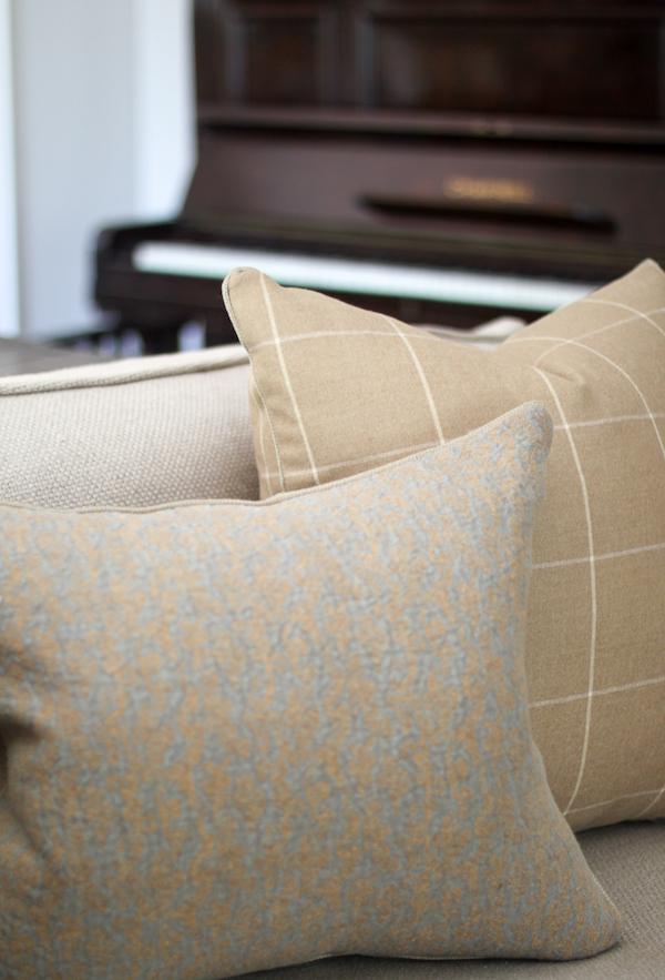 Formal sitting room details
